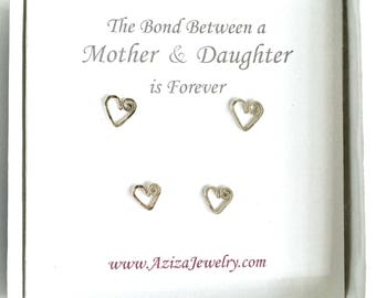 Mother Daughter Heart Studs Set. 2 Pairs Sterling Silver Heart Studs Set in Medium and Small Earrings. Valentines Day Mothers Day Earrings.