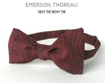 Maroon Wood Grain Bow Tie