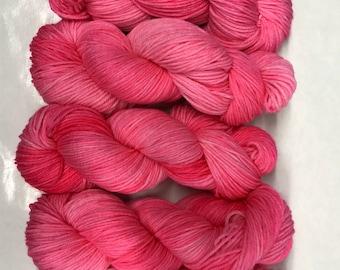 Hand dyed yarn/flamingo