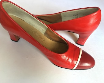 Vintage La Belle Originals red pumps/heels. Size 8.5