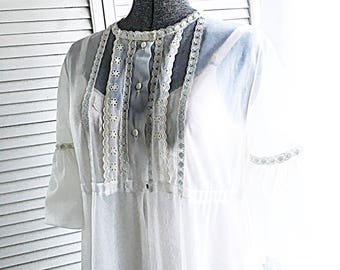 Darling White Miss Elaine Peignoir Top