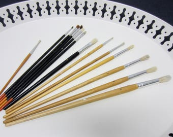 Paint Brushes Mixed Set of 13 Art & Crafts Painters Supplies Different Sizes 1 2 3 4 5 7 8 9 11 Gently Used
