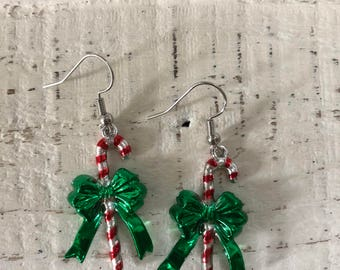 Candy cane green bow earrings