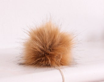 Red Fox Faux Fur Pompom. Faux Fur Pompoms for Hat. Faux Fur Pompom. Fox Faux Fur Pompoms. Orange Fur Pompom.