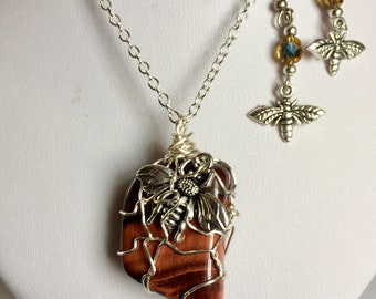 Simmering Red Tiger's Eye Stone Wrap With Bee Charm