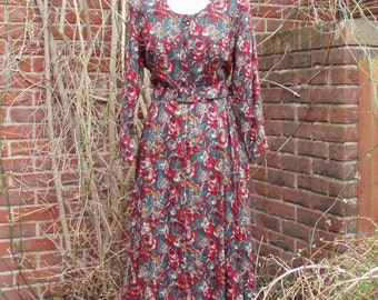 1940s tea // day dress floral reds M belted three quarter sleeves