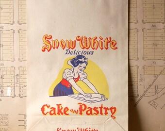 Vintage Snow White Paper Cake and Pastry Flour Sacks - Great Retro Kitchen Decor!