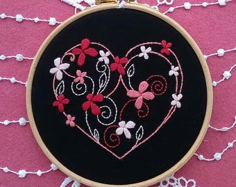 "Embroidery KIT - Embroidery pattern - embroidery hoop art - ""Heart and Flowers"" - Traditional embroidery kit - valentine design"