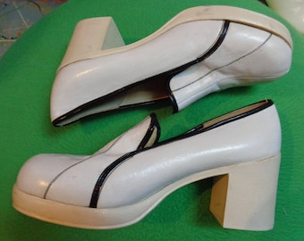 VINTAGE 1970's Ladies White Leather with Black Trim Platform Shoes by El Carino -  (available)