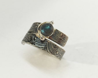 Labradorite ring with sterling silver, organic adjustable ring,  silver ring, modern ring, oxidized silver, natural labradorite
