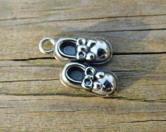 Cute little Vintage Baby Shoes Silver Tone Pendant or Charm  Dr41
