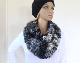 Black and white Infinity scarf Cowl Chunky Scarf Womens Knit Accessory Circle Scarf