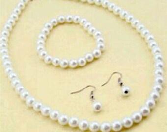 Freshwater Pearl Necklace Bracelet Earring Set