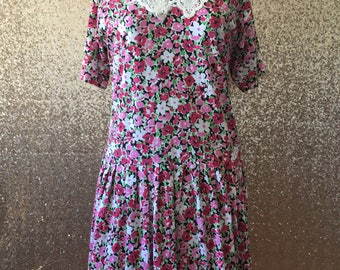vintage pink floral dress with lace collar
