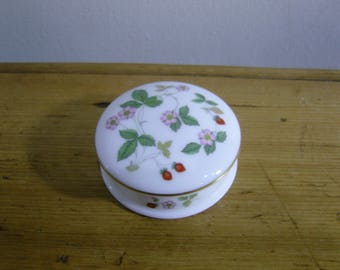 Wedgwood Wild Strawberry Trinket Box