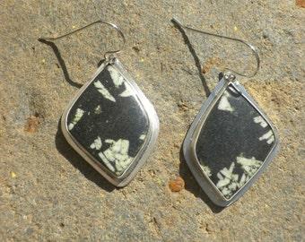 Striking Chinese Writing Stone Earrings, Sterling Silver, Chinese Writing Stone, Black, White, Freeform Teardrop, Dangling