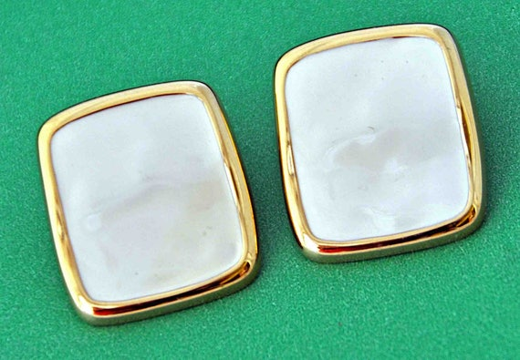 Vintage 1980s MONET Rectangular Gold Tone Frame Clip-On Earrings Excellent Condition