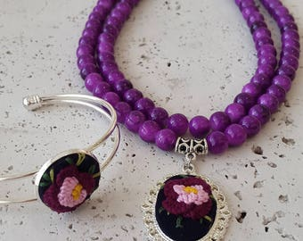Purple embroidery necklace and cuff. Flower jewerly. Embroidery jewerly. Brazilian embroidery. Embroidered beaded necklace cuff. purple cuff