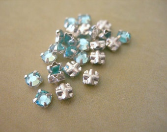 Swarovski Roses Montees AQUAMARINE BLUE 3mm lot of 24 Sewons Beads Silver Channels VINTAGE