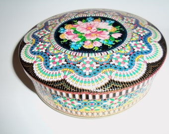"""Vintage  8"""" Daher Design Tin Container storage sewing Embossed Mosaic Look Made in England"""