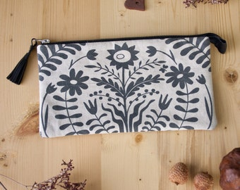 Floral Clutch,Folk Print,Flower Linen Case,Every Day Purse,Girlfriend Gift,Evening Clutch,Prom Clutch,Women Present,Mother's Day,Shaby Chic