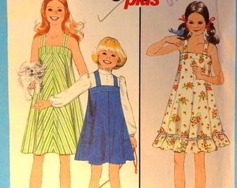 Simplicity 8369 Girl's size 7, 8 Sundress or Jumper sewing pattern with front and back bands, optional ruffle, top stitched pockets. 1978
