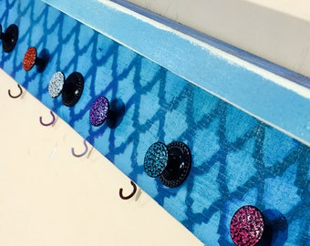 Towel holder /bathroom storage /bath towel hanger /decorative reclaimed wood art hanging wall rack organizer 10 hooks 9 hand-painted knobs