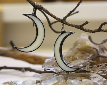 Boho earrings, Crescent moon earrings, Bohemian earrings, Gypsy earrings, Moon earrings, Shaman earrings, Occult earrings, witch earrings