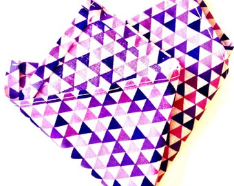Light purple, triangle print pocket square
