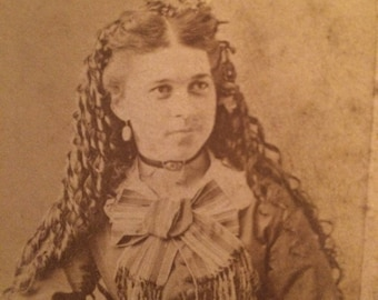 Antique CDV Photo - Woman - Long Hair - 1871 - carte de Visite - Napierville Illinois
