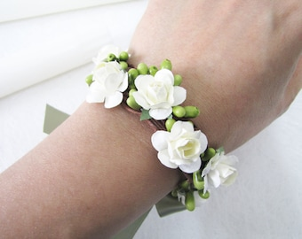 Light Ivory Rose Bracelet, Rose Wrist Corsage, Bridesmaid Wrist Corsage, Wedding Bracelet, Wedding Bangle, Wedding Accessories