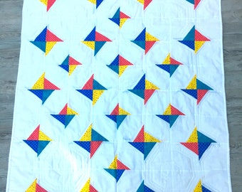 Modern quilt for baby, hand made, custom machine quilted