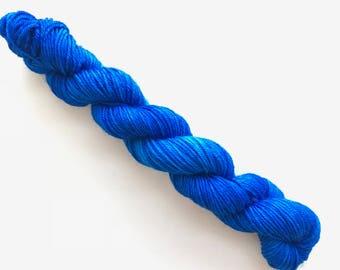 TRUE BLUE hand dyed yarn mini skein. sock fingering yarn, merino wool superwash knitting embroidery. sock mini 4 ply. semi-solid blue yarn