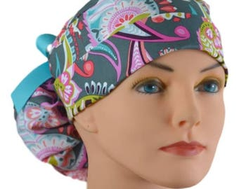 Ponytail Scrub Hats - Gray Paisley