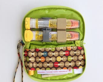 EpiPen clutch. Purse for epipen. Allergy injector bag. Travel bag for epinephrine. Epi pen wristlet. Holds two injectors. Medical pouch.