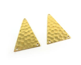 6 triangle 3 connector holes hammered brass raw 28mm x 18mm. PP-022