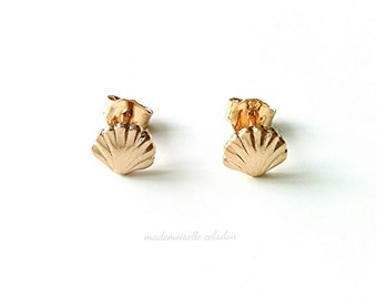 Boucles d'oreilles coquillages, plaqué or 750/000- puce coquillage, sirène doré - mermaid earrings, yellow 750 gold plaqted
