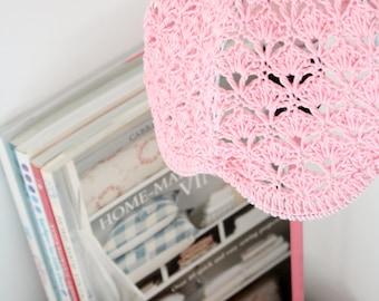 Crochet abat-jour - bébé rose