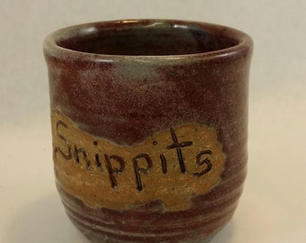 Snippets cup wastebasket for quilters, seamstresses, and neat crafters.