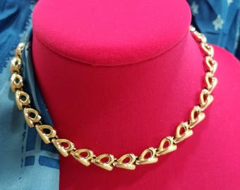 Simple & Charming Coro Enameled Ribbon Loop Necklace