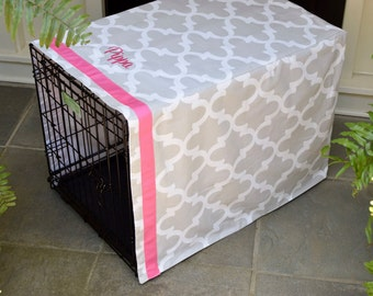 Personalized Grey Crate Cover || Quatrefoil with Pink Name || Dog Kennel Cover  || Custom Gift by Three Spoiled Dogs