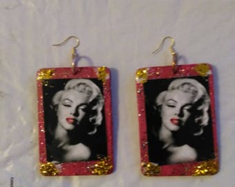 Marilyn Monroe med/large earrings