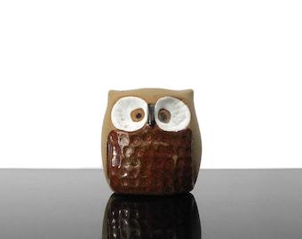 Little Owl figurine / Ceramic / Vintage