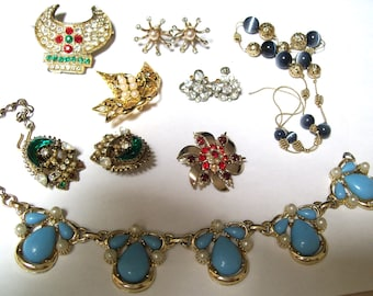 SALE- Vintage REPAIR Costume Jewelry Lot-Mostly Missing Stones-FREE Shipping!