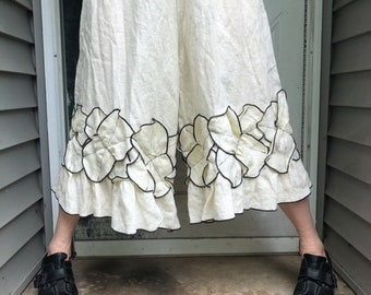 Cropped Cream Criss Cross Petal Bloomers