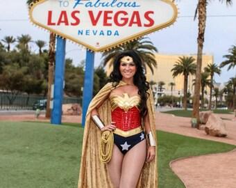 WONDER Superhero WOMAN Crushed Panne Velvet CAPE