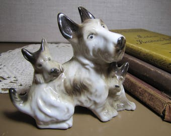 Porcelain Figurine - Scottish Terrier With Puppies