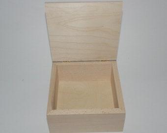 Boîte carrée en hêtre cm 16 x 16 x 7