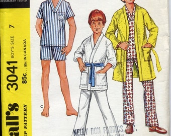 Vintage 1970s Pattern - Boy's Pajamas and Robe - Size 7