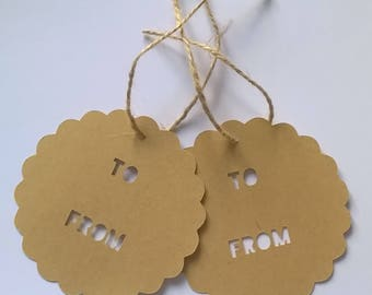 2 large round tags scalloped and perforated diameter 9.5 cm + Twine
